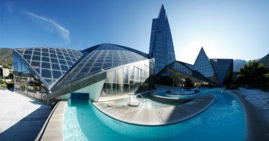 Andorra està decidida a atreure empreses, residents passius o actius i inversions cap al seu territori. Per això, s'han creat una sèrie d'impostos pensats per atreure la inversió estrangera i la creació de noves empreses a Andorra. Comptem amb uns règims especials de l'impost de societats pensats per la creació d'empreses hòlding, empreses de trading, empreses d'intermediació o comissionistes, així com empreses de gestió d'intangibles com drets d'autor i empreses de gestió de marques i patents. I a Andorra podrà gaudir de la tranquil·litat de viure a un dels països més segurs del món, sinó el més segur. Amb uns serveis d'alta qualitat i una proximitat que sols es pot trobar a Andorra, a Andorra tots els serveis estan ben a prop i un cop has aparcat el cotxe pots anar a peu a fer totes les gestions, infinitat d'aparcaments i 3 sistemes d'ensenyament públic on es pot optar per l'educació dels seus fills en entorns diversos com el Lycée Français, l'escola Andorrana molt innovadora i pedagògica o l'escola Espanyola. També disposem d'escoles privades on fer immersió en Anglès.