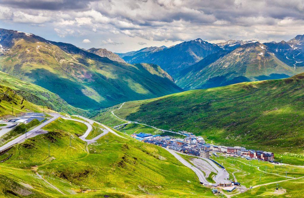 La Comissió d'Assumptes Fiscals de la Unió Europea ha elaborat una nova proposta de llista de països i territoris no cooperadors a efectes ficals, en la que ja no hi figura Andorra, segons