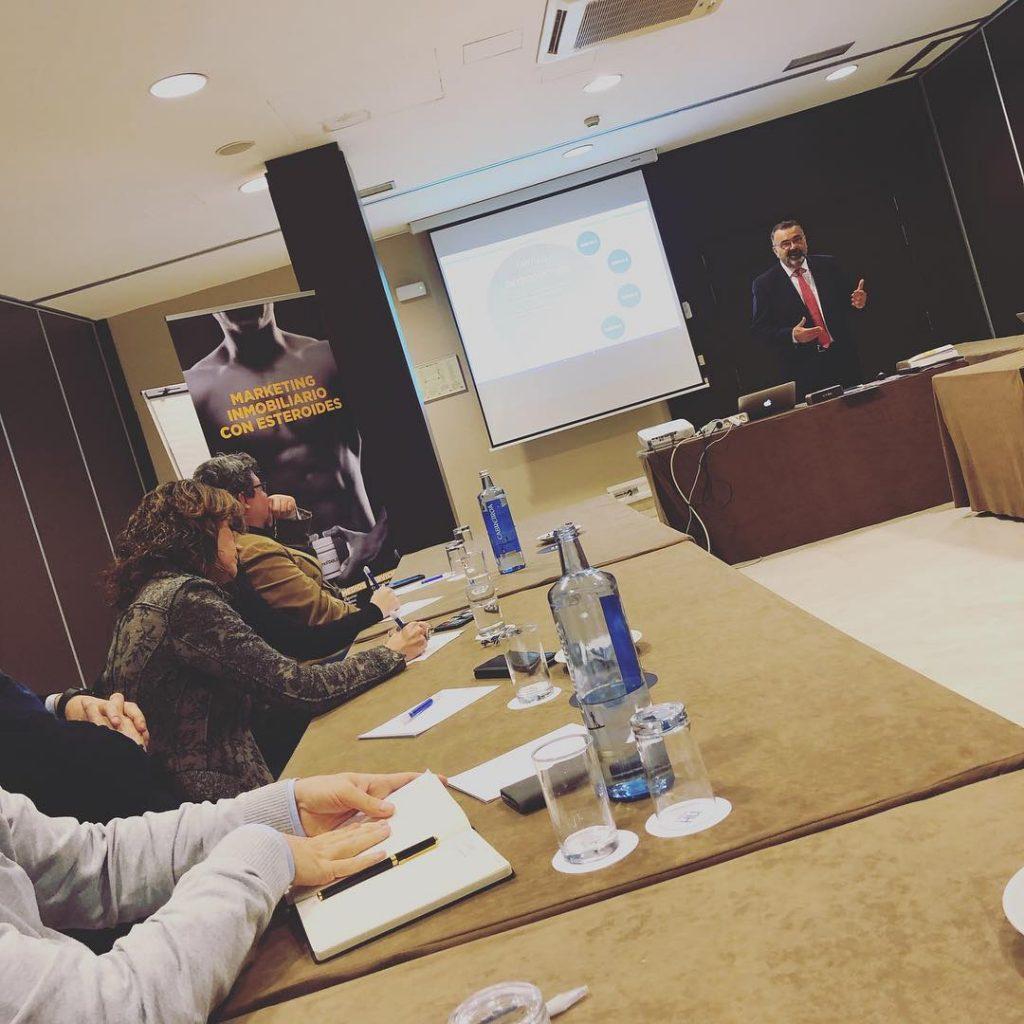 El epartamento de Marketing de la Clau Group Andorra de formación con el gran equipo de INMOTOOLS. Ofrecer el mejor marketing inmobiliario a nuestros clientes. @laclaugroup